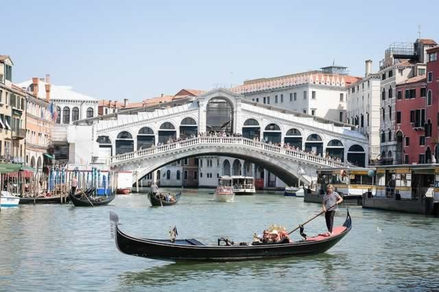 Traditional gondola tour